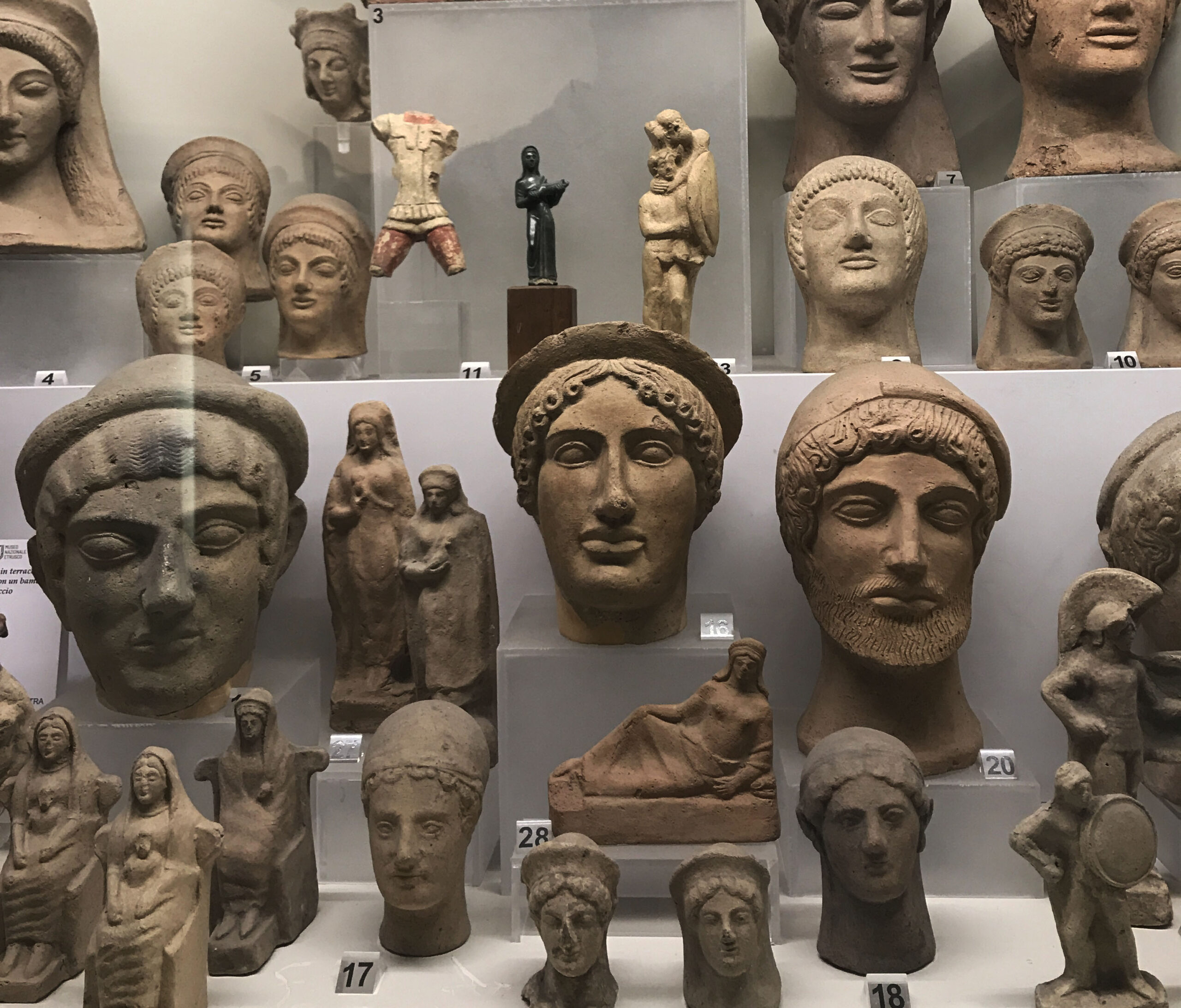 Discovering the Etruscans